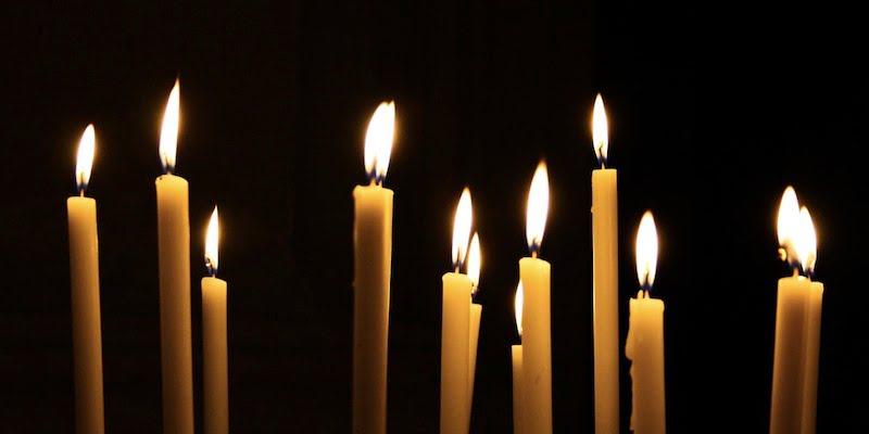 undas - candles