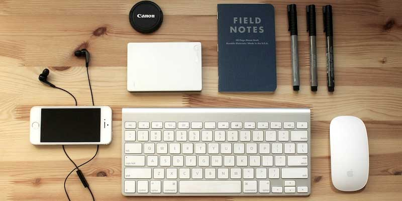 smartphone-keyboard-notepad