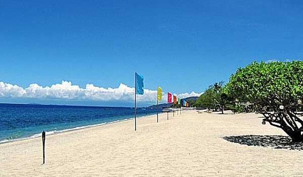 laiya beach shoreline