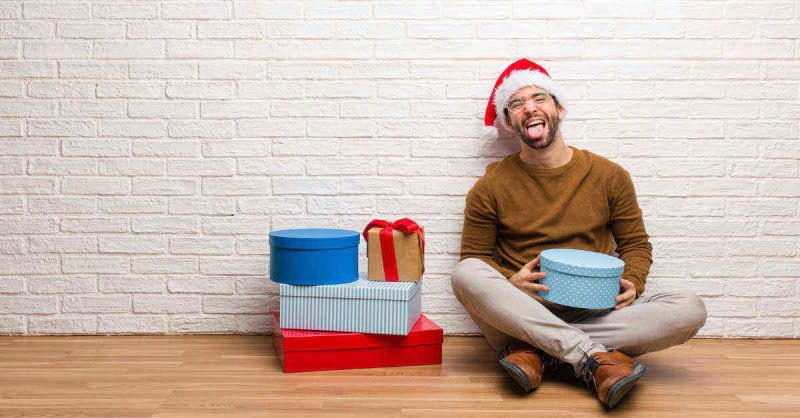 Christmas Shopping Hacks That Will Save You Money