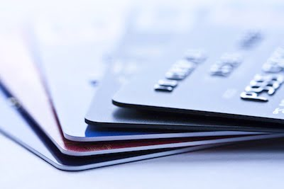 Debit Card vs Credit Card (1/2)